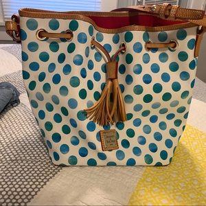 Like new Dooney & Bourke purse
